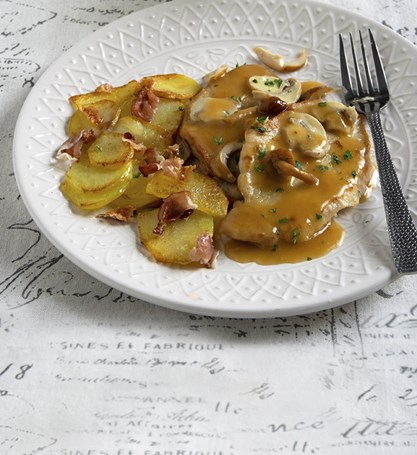 MUSHROOM SCALOPPINE WITH POTATOES